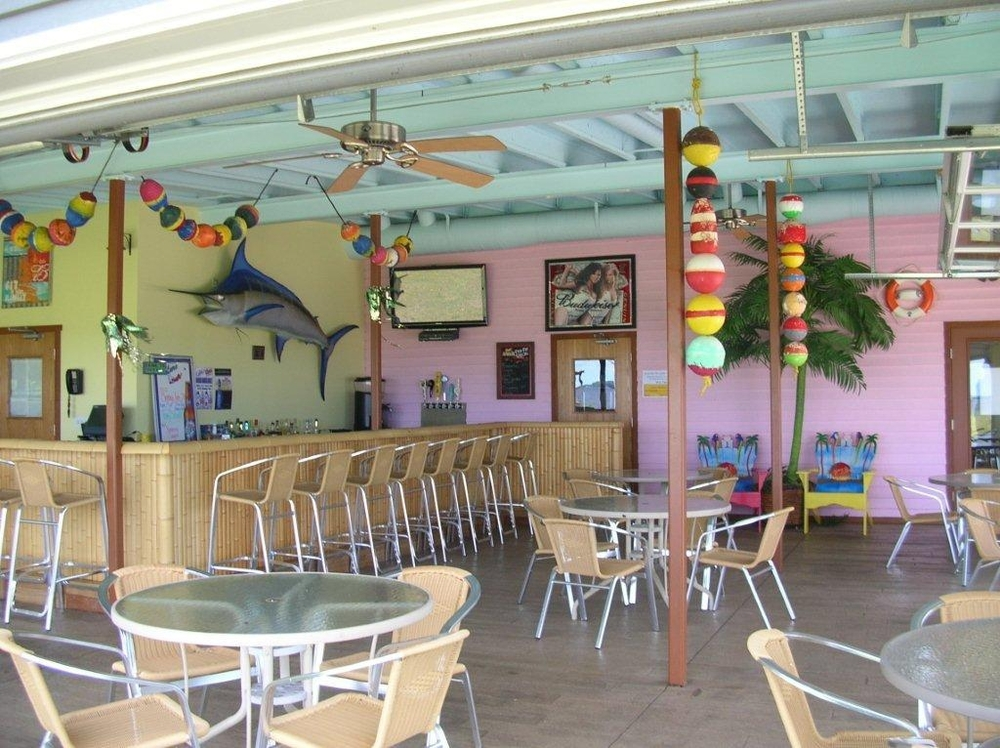 Lure Bar Grill At Barnum Bay Marina
