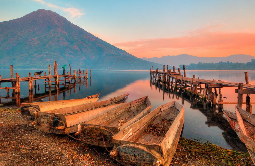 La Fortuna-Atitlan-dock-Atitlán-muelle.jpg