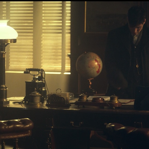Peaky Blinders Thomas Shelby Desk