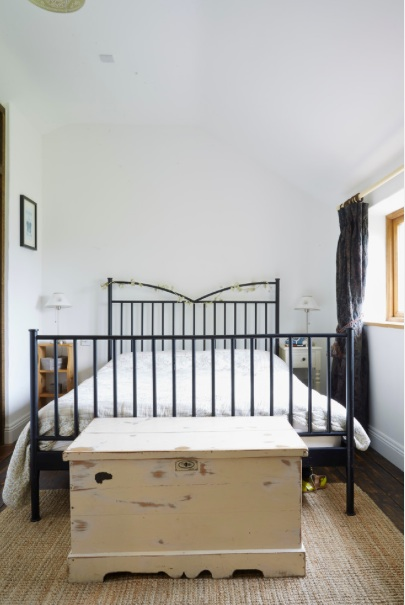 Wren Cottage master bed.jpg