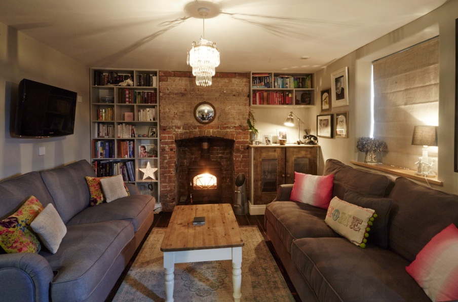 Wren Cottage living room2.jpg