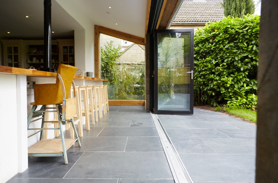 Wren Cottage bifold door.jpg