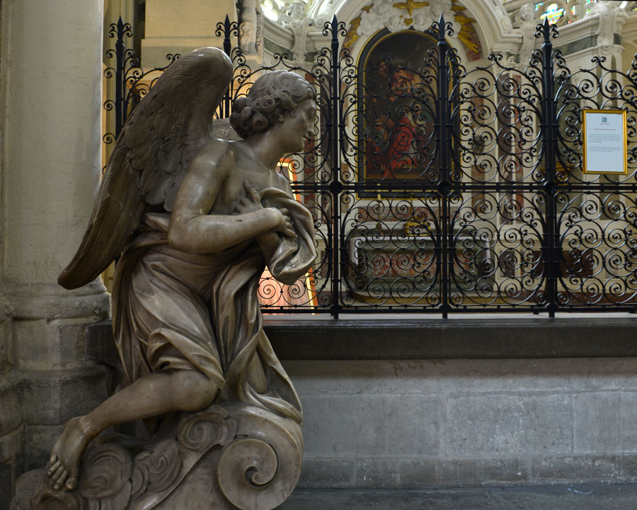 'Guardian Angel' © 2015, Naida Ginnane Nikon D800 24-70mm lens f/ 9, 1/250, ISO 500.