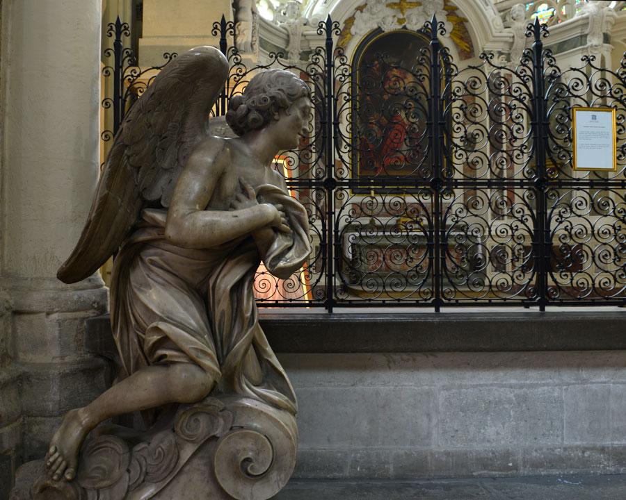 'Guardian Angel' © 2015,Naida Ginnane Nikon D800 24-70mm lens f/ 9, 1/250, ISO 500.
