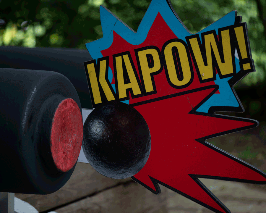 'Kapow' © Naida Ginnane 2018,  Nikon D800, 1/125, f/3.5, ISO 125. The elements in this frame are not placed symmetrically, yet still achieve a balanced composition.