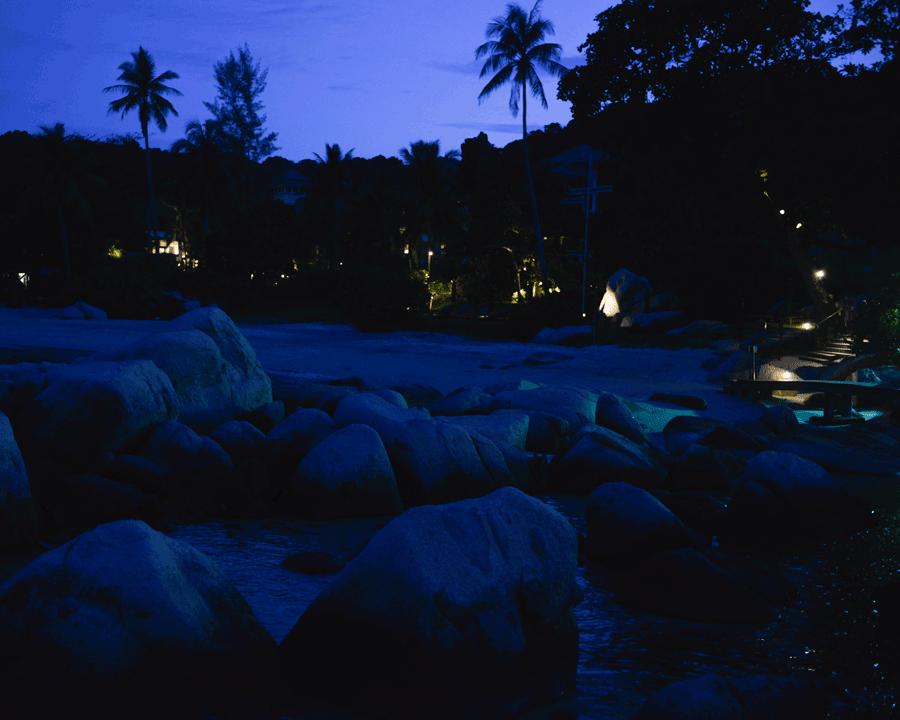 'Beach Evening' © Naida Ginnane 2017 Nikon D800 24-70mm lens, 1/30, f/9.0, ISO 400.