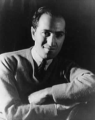 George Gershwin. Photo by  Carl Van Vechten .