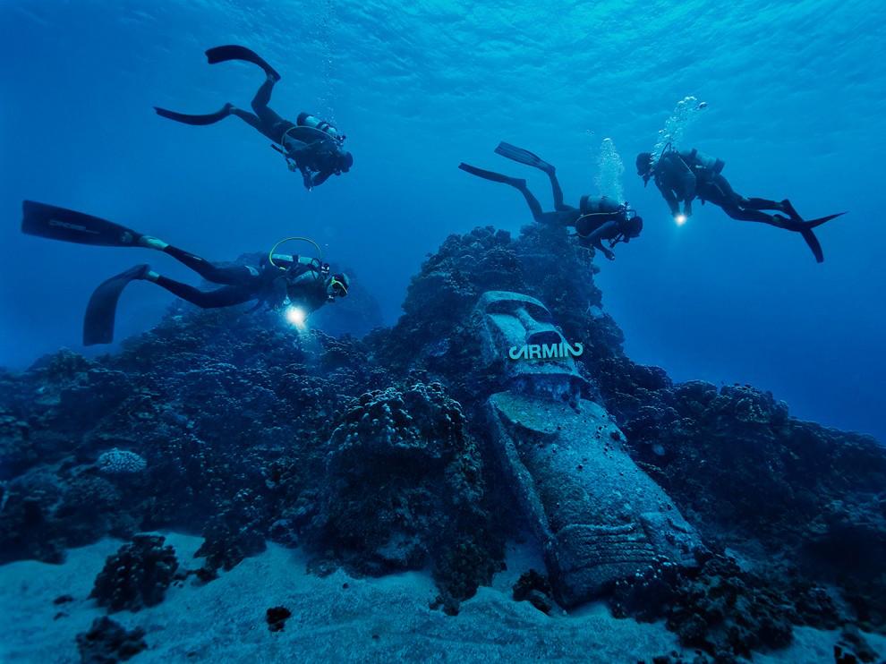 Easter-Island-Dive Kopie.jpg