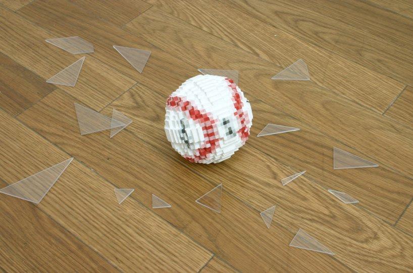 toshiya-masuda-ceramics-low-pixel-icons-computer-games-designboom-13.jpg