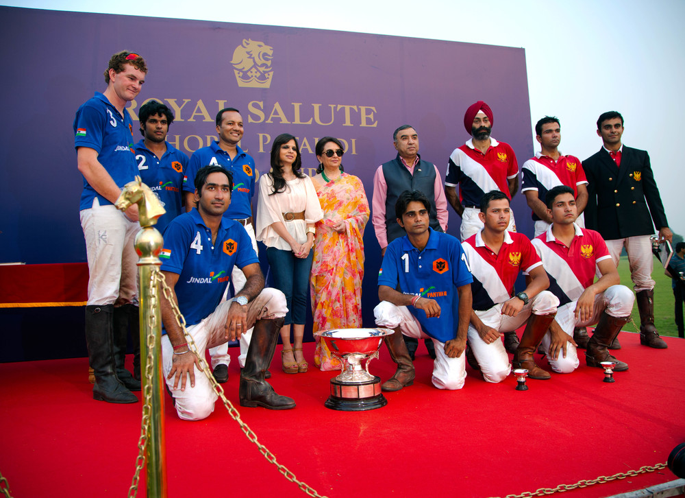 Players and Host posing during the presentation ceremony.