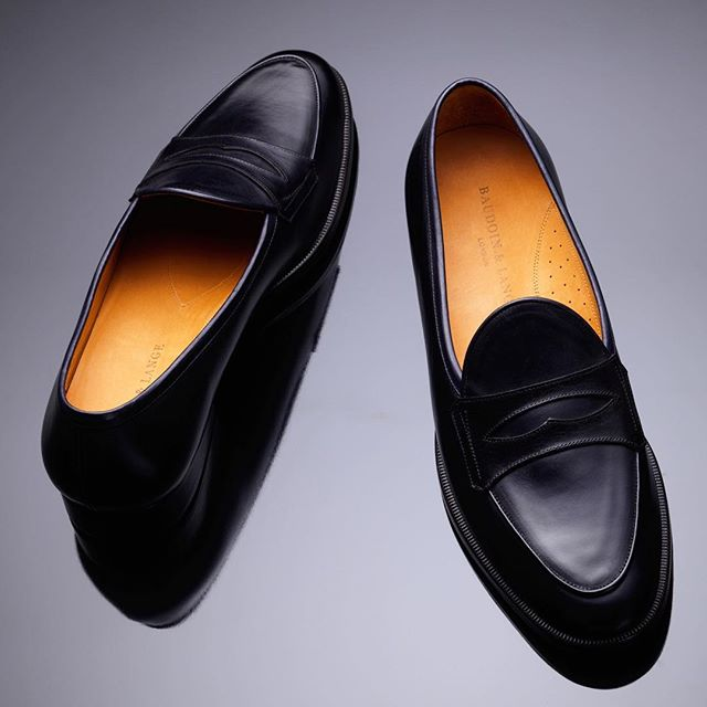 Meet Sagan Grand 🌕  Link in the bio to access our Launch price, only for Black Friday  #sagangrand #baudoinlange #launching #thenewsagan #baudoinandlange  #belgianloafers #loafers #handmadeshoes #belgianshoes #slippers #bespokeshoes #handmade #comfort #unlined #unlinedloafers #unlinedshoes #luxuryshoes #handmade #thesagan #mensshoes #menswear  #comfortableloafers
