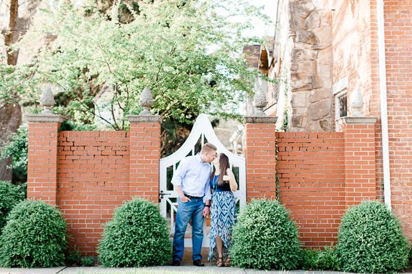 dayton_columbus_cincinnati_engagement_photographers_tippcityengagementsession_fineartweddings_cityengagement_organic_weddings_midwest_wedding_photographers_jennyhaasphotography