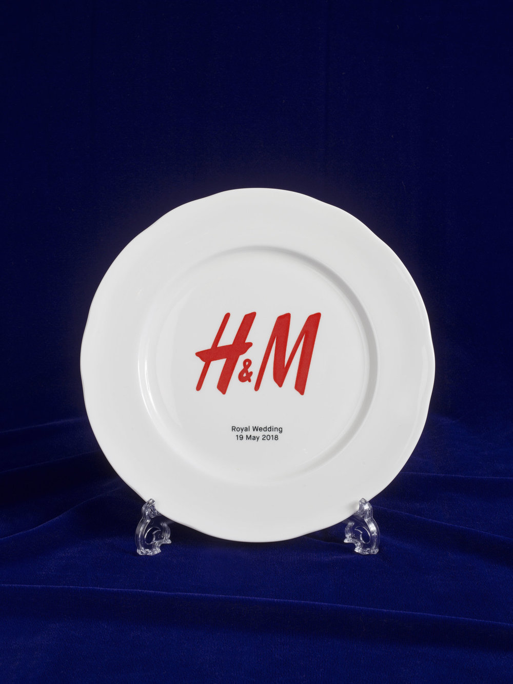 H&M Harry and Meghan Plate.jpg