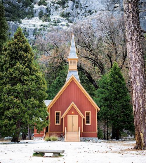 Valle de Yosemite Chapel California.png