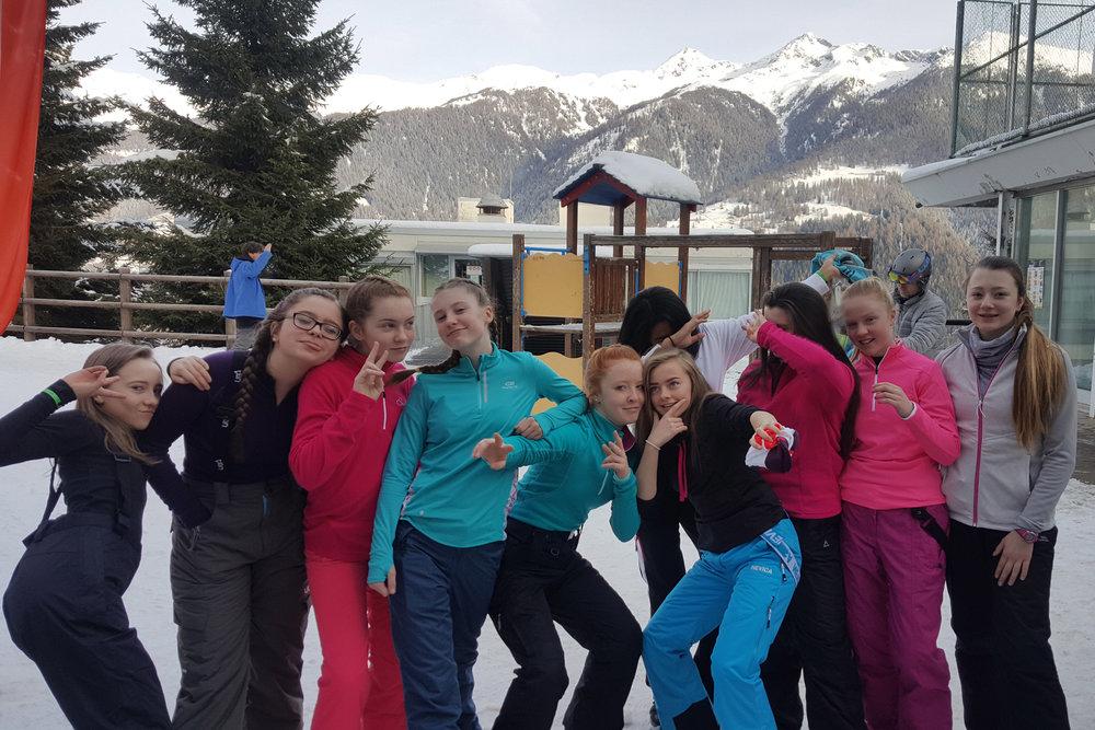 skibootswaiting02.jpg