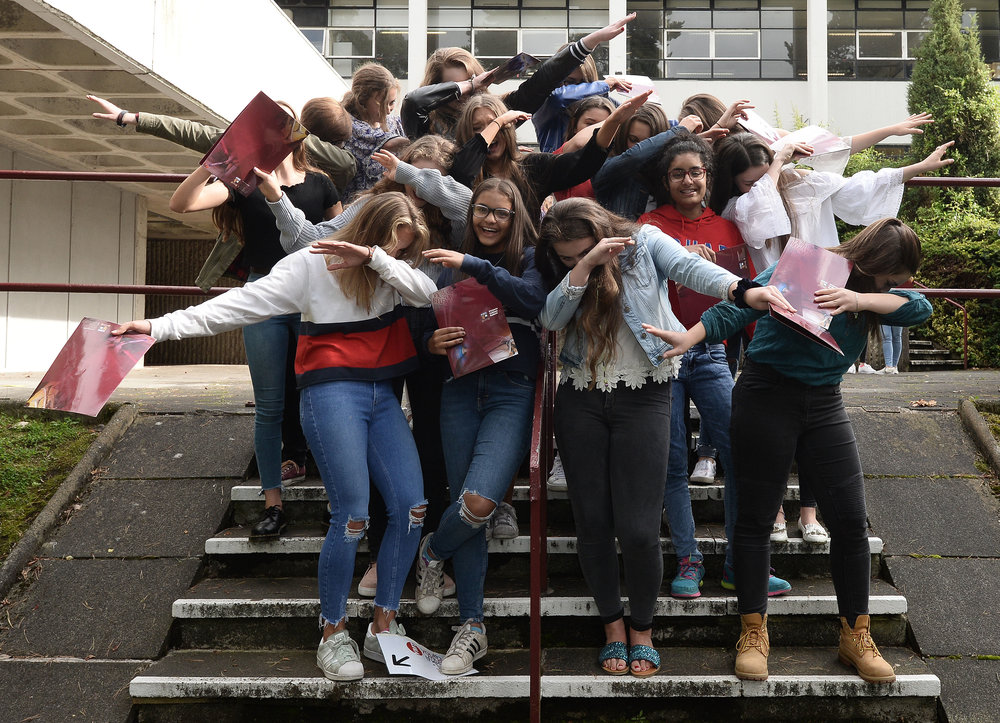 Pacemaker  GCSE Results at Victoria College08.JPG