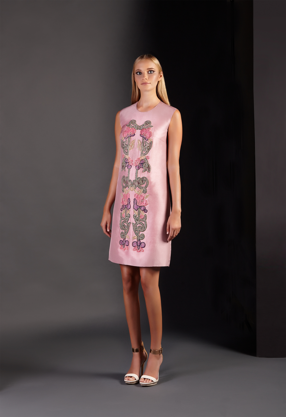 Floral_Embellished_Shift_Dress3.jpg