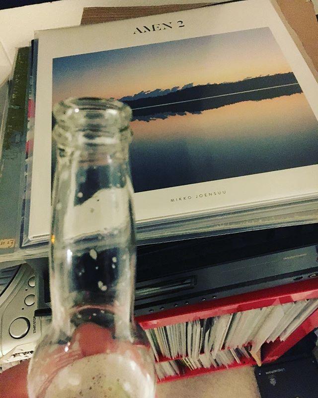 Mikko Joensuu 👌 #hermanniturkki #folkmelske #mikkojoensuu #amen2 #vinyl #beer #saturday #music #corona