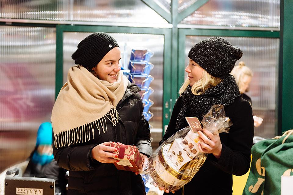 Kom i julstämning och handla dina julklappar i hjärtat av Stockholm.