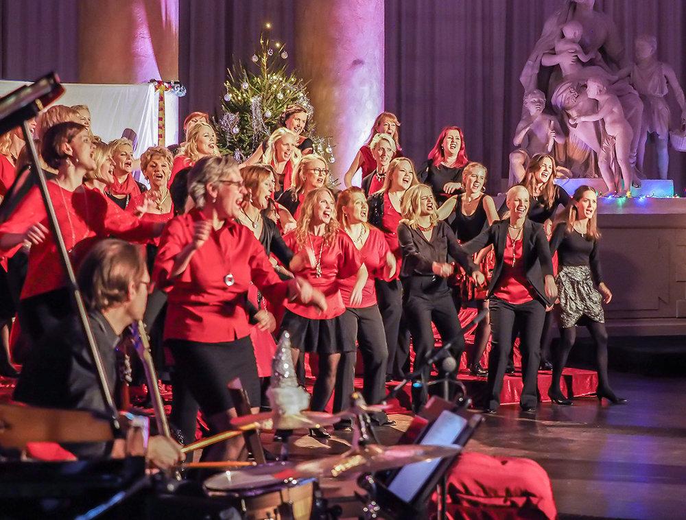 Stockholm City Voices är en kvinnlig a cappella-kör som bildades 1978.