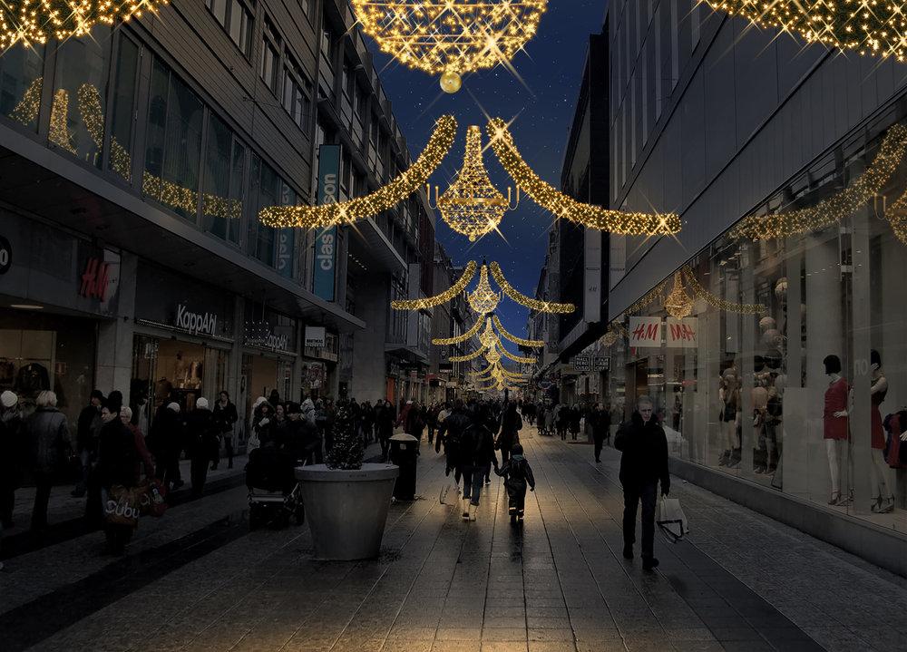 Nya ljuskronor på Drottninggatan. © Copyright MK Illumination AB