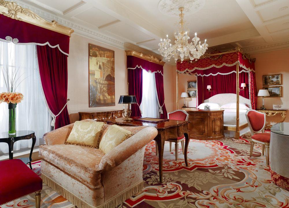 ST Westin Excelsior Rome -  wes70gr-106231-Villa La Cupola Master Bedroom.jpg