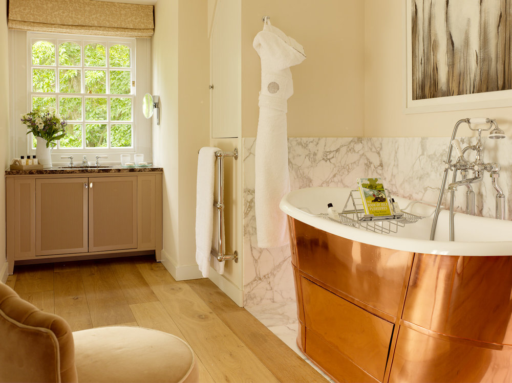 Coworth Park Dower House - master suite bathroom 1184-8.jpg