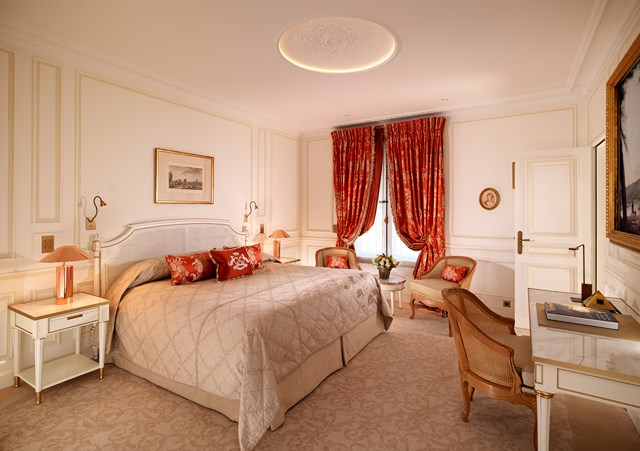Le Meurice The Pompadour Suite 1.jpg