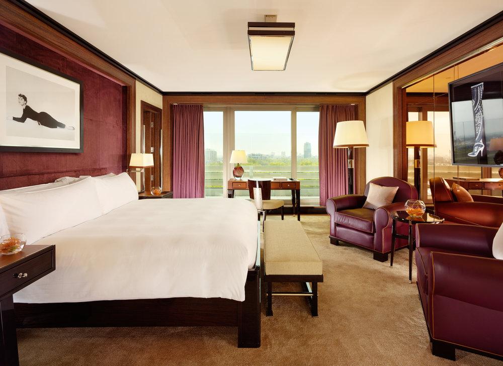 Penthouse, Master Bedroom - 45 Park Lane 1196-7a.jpg