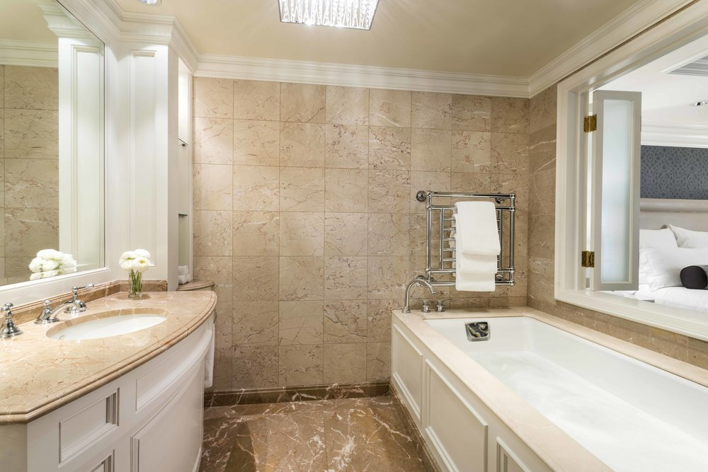 Ritz-Carlton San Francisco - Presidential Suite Whirlpool_med.jpg
