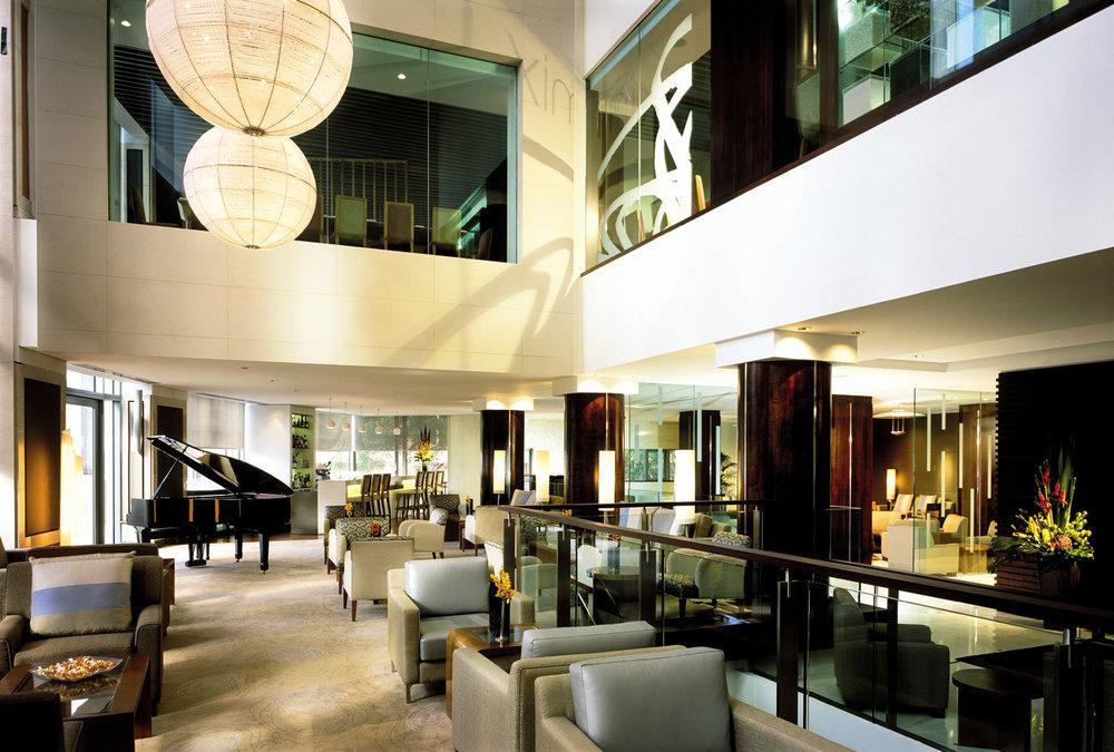 53f001h - lobby lounge.jpg