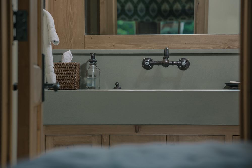 schwab-residence-bathroom-faucet.jpg