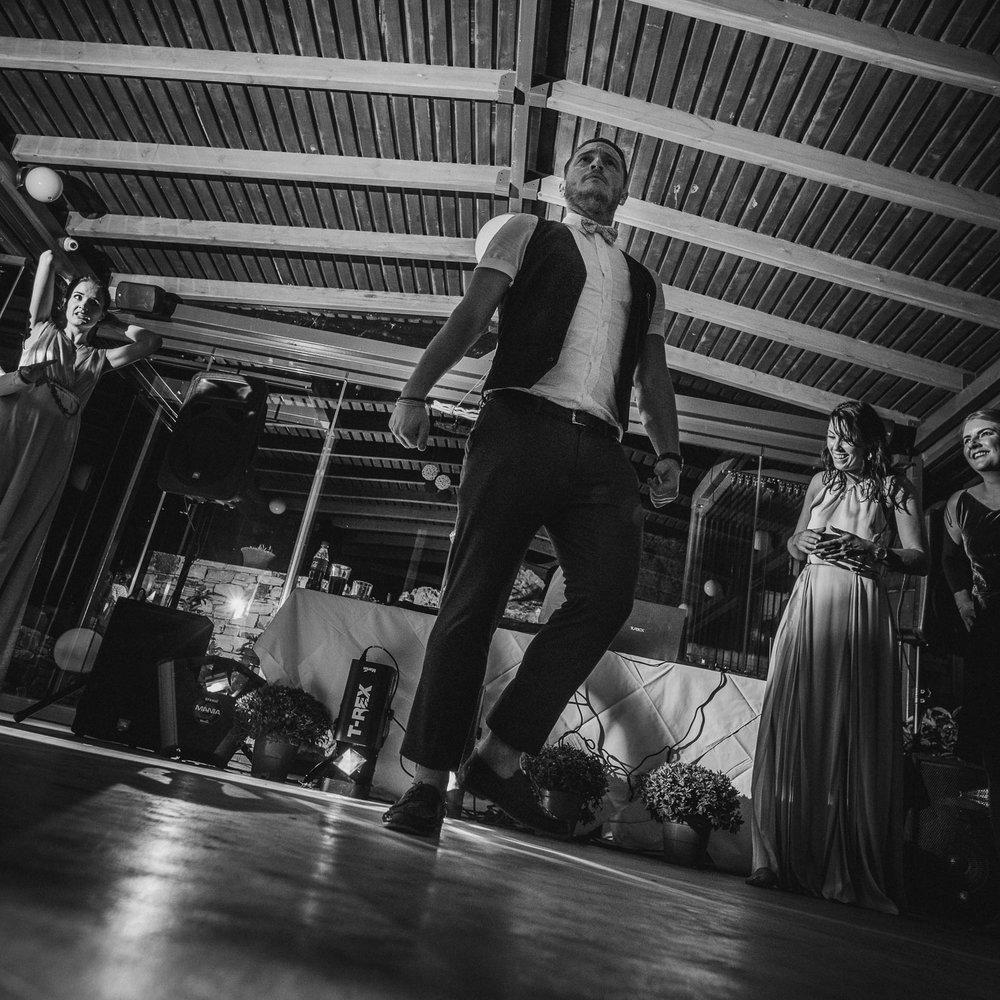 lorraine-ciaran-irish-wedding-naxos-074.jpg