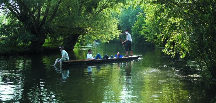 Unlimited free punting hire