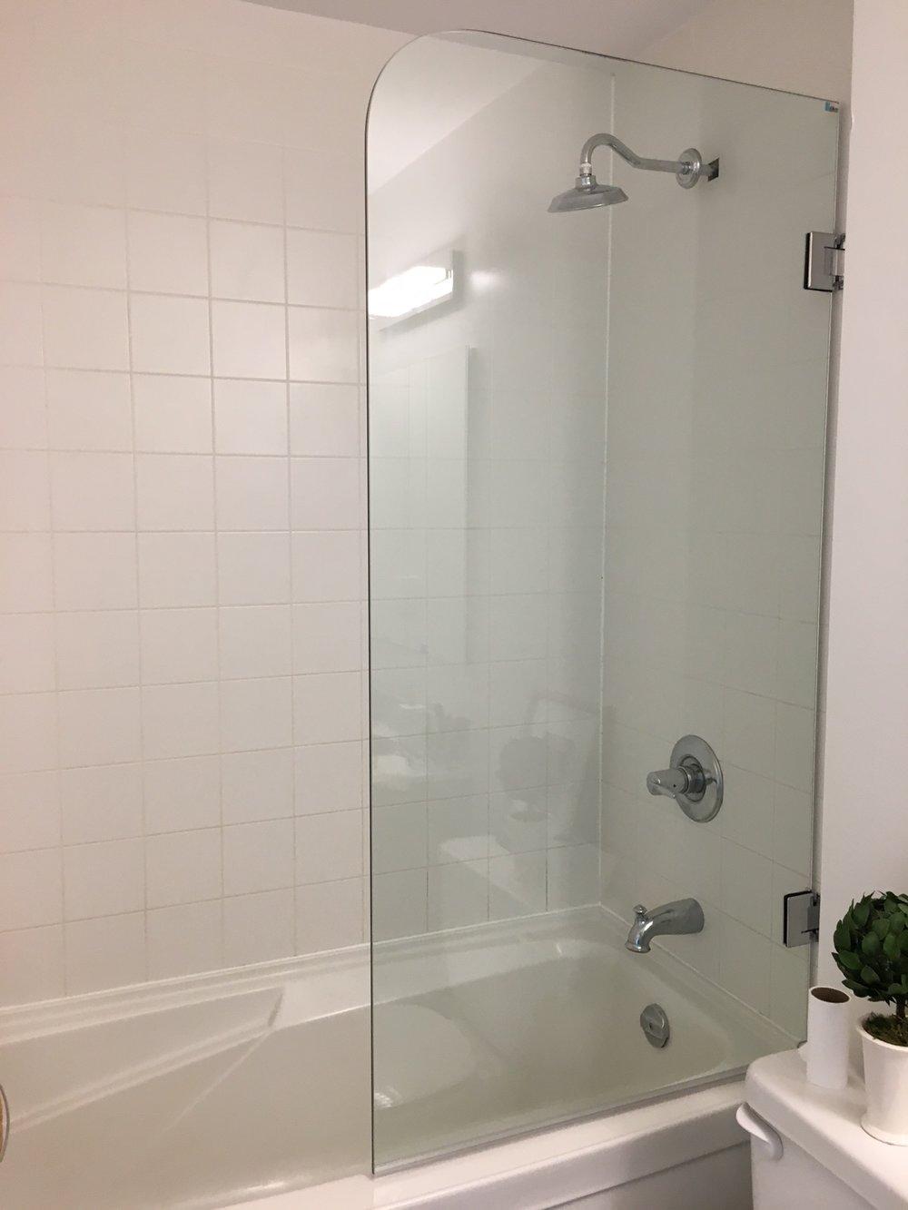 Walid - Single Panel Tub Door - June 4-18.jpeg