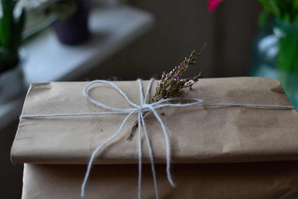 paper bag snood packaging.JPG
