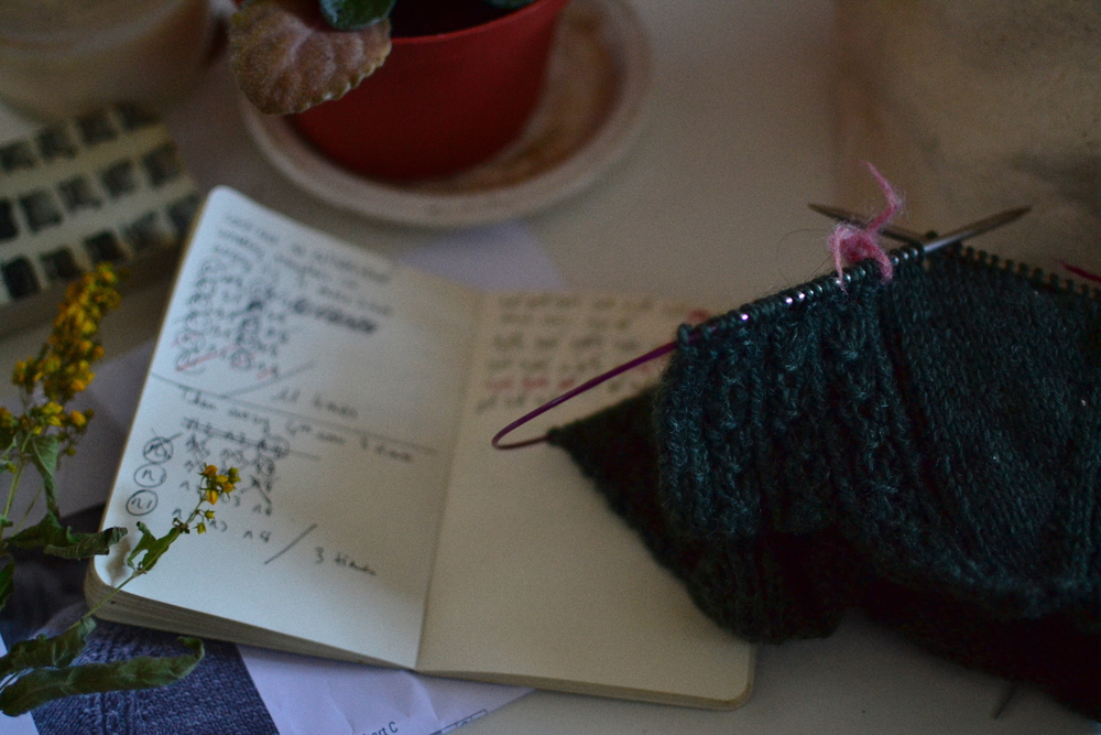 Mandarine's: Yarn Along, keynote cardigan