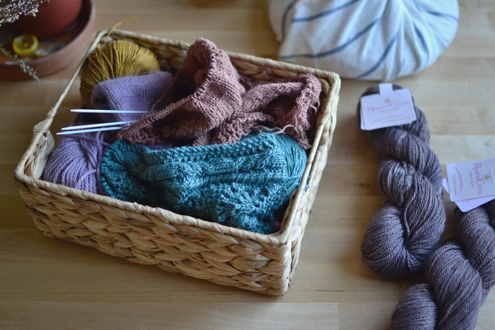Mandarine's: monogamous knitter