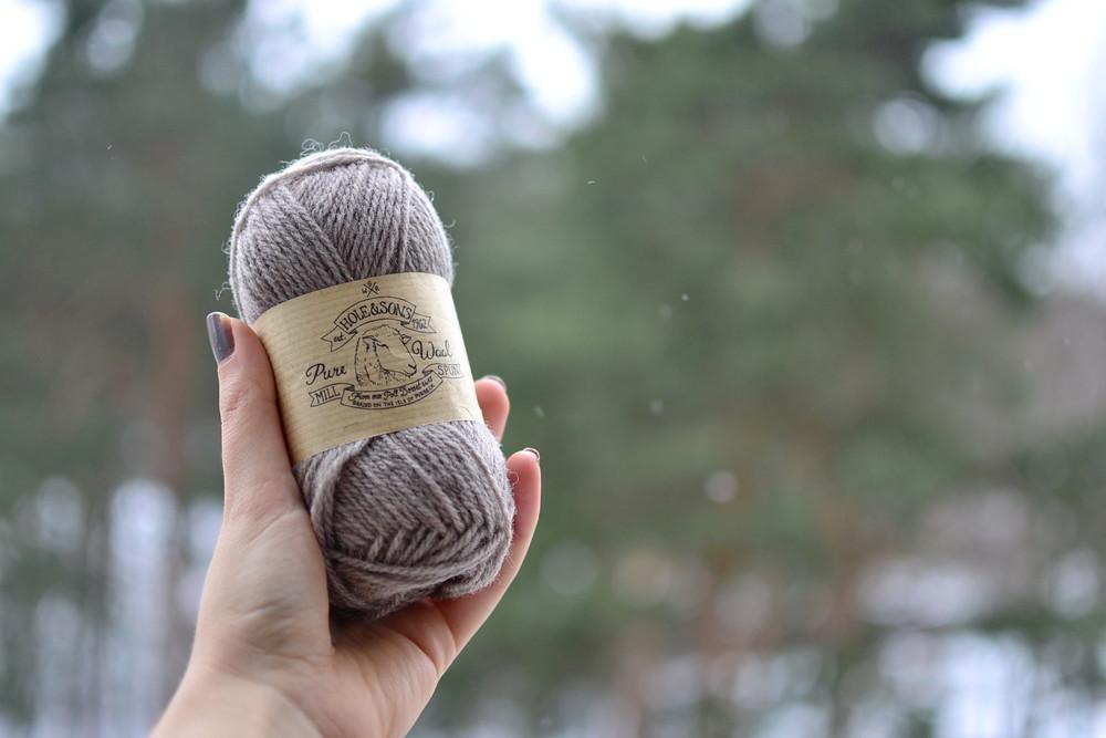 Hole&sons yarn