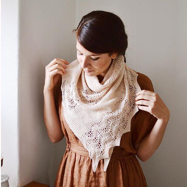 Plume shawl