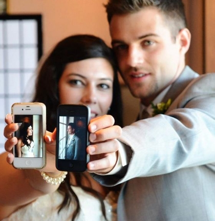 bridegroomcellphones.jpg