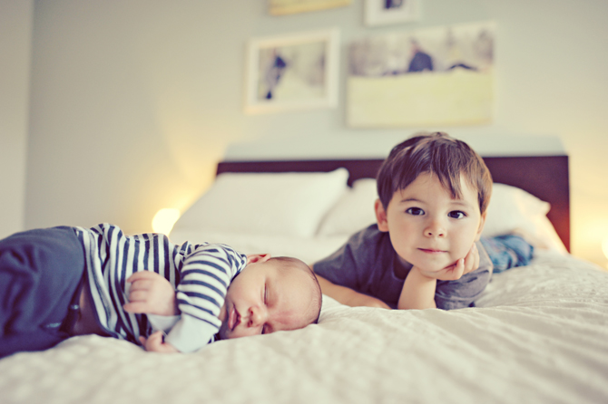 newborn baby photo in home