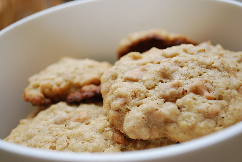 Oatmeal cookies. By slgckgc (originally posted to Flickr as In The Cookie Jar)  CC-BY-2.0