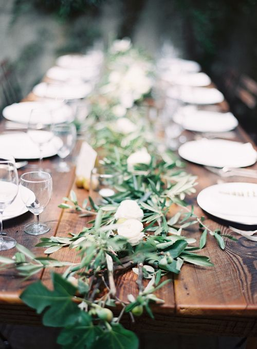Modern Vintage Tablescapes - Spring Naturals & Neutrals, The Vintage Round Top