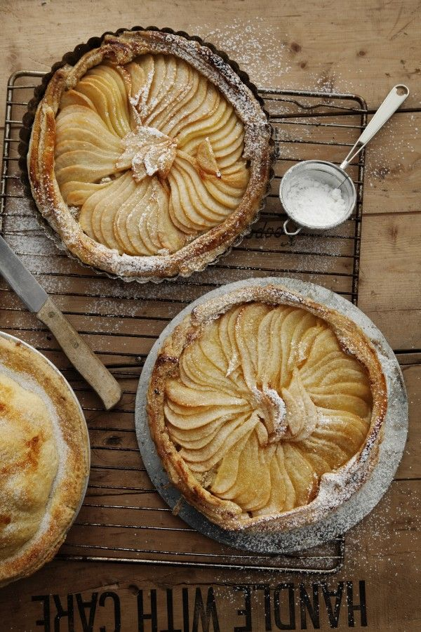 PEAR TART, THE VINTAGE ROUND TOP