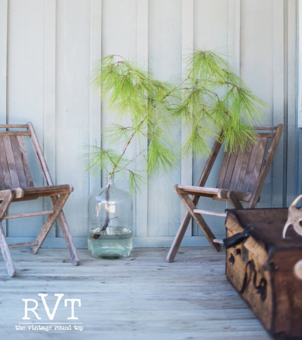 THE VINTAGE ROUND TOP - SIMPLE COUNTRY PLEASURES