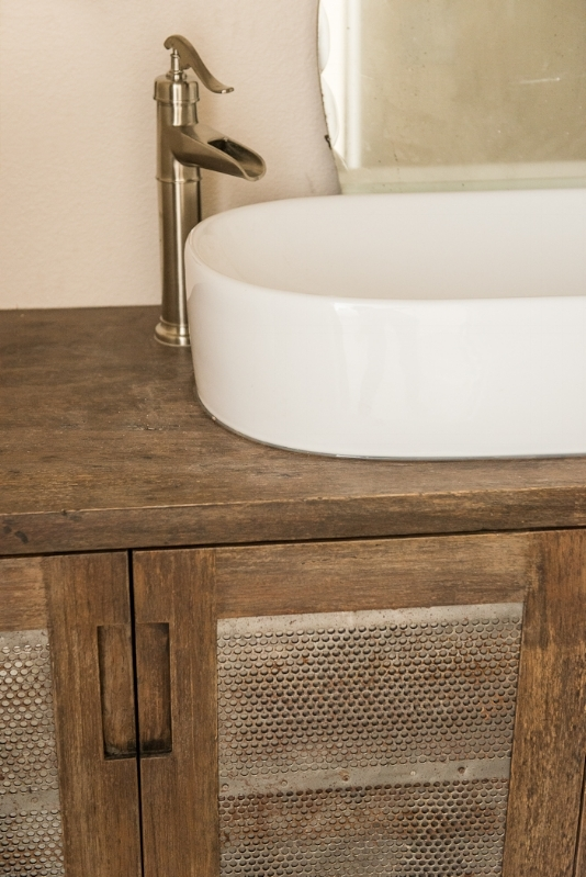 GUEST BATHROOM VANITY - THE VINTAGE ROUND TOP