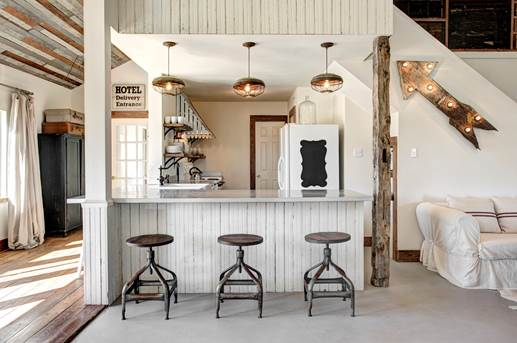 Modern Vintage Kitchen - The Vintage Round Top