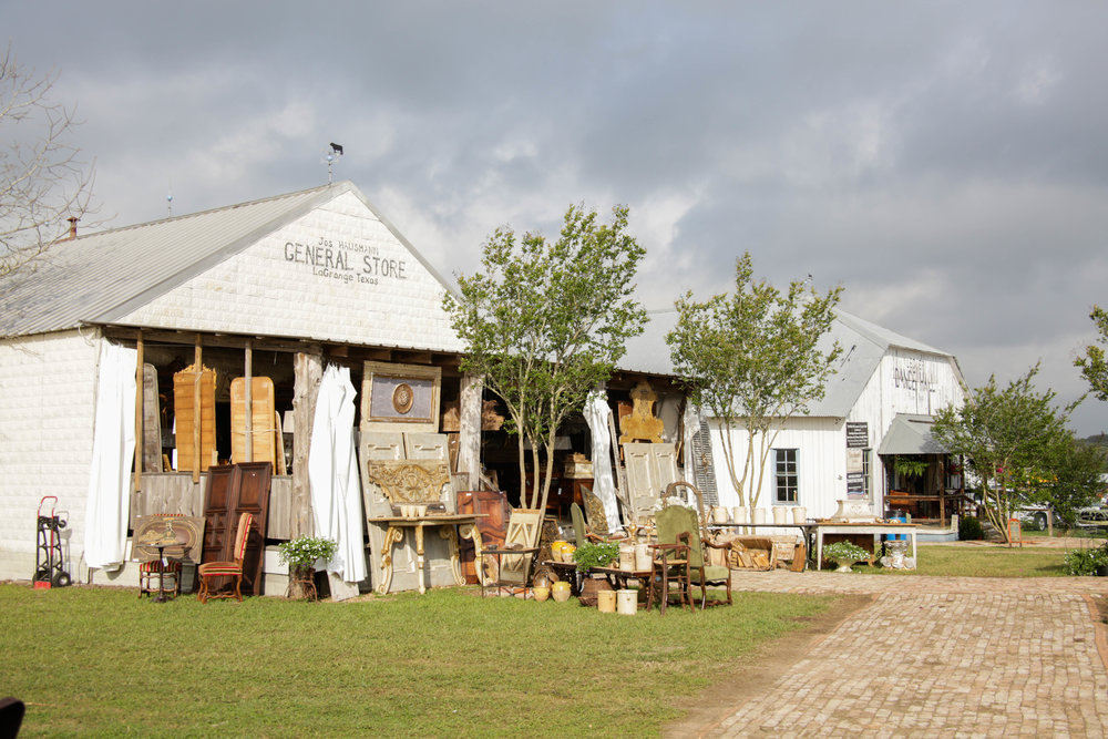 Our Favorite Venues and Shows during Round Top Antiques Week