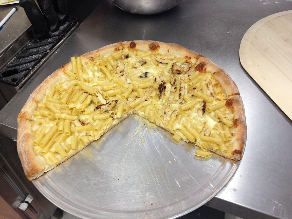 chix alfredo pizza.jpg